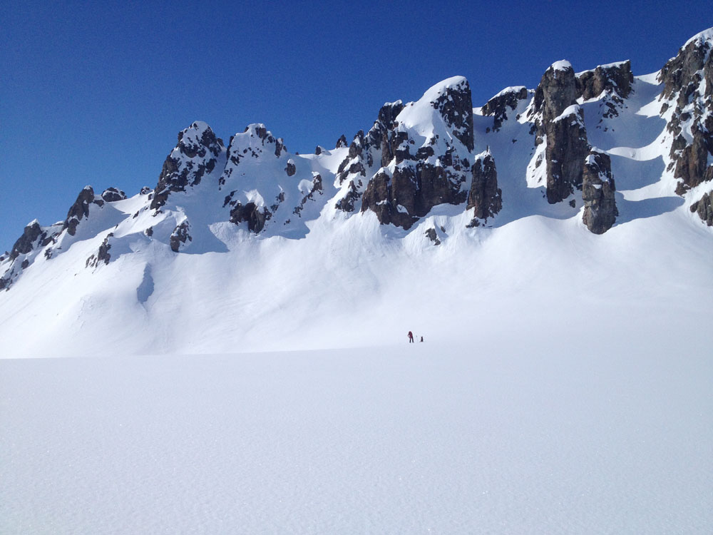 Winter adventure and fly-out, backcountry skiing